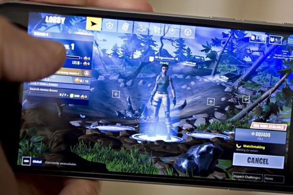 Tin tức công nghệ mới nóng nhất hôm nay 14/8: Apple thẳng tay gỡ bỏ trò chơi gây sốt Fortnite khỏi App Store