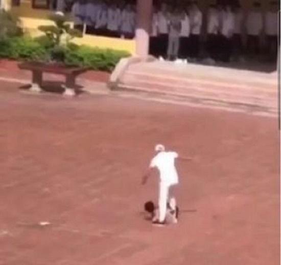 Vụ nam thanh niên bị đánh giữa sân trường học ở Thái Bình: Tạm đình chỉ bảo vệ để điều tra