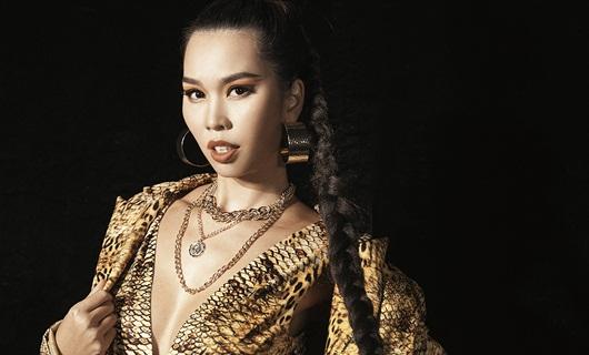 Hà Anh tái xuất sàn diễn trong show thời trang của Xuân Lan