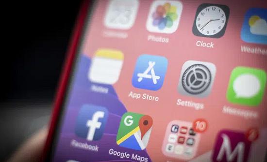 Hai 9x Hà Nội thu nhập hàng trăm tỷ trong năm 2020 nhờ viết phần mềm online