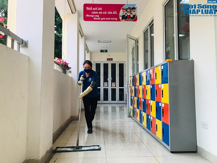Trường học Hà Nội gấp rút dọn dẹp, chuẩn bị đón học sinh trở lại
