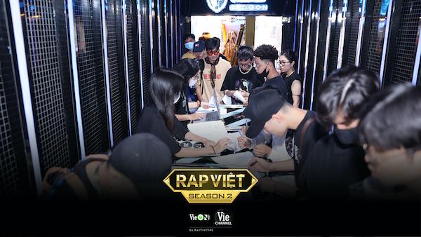 """Cạnh tranh khóc liệt, chỉ mới casting ngày đầu, Rap Việt – Mùa 2 đã quy tụ toàn những """"quái vật"""