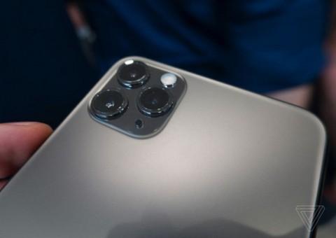 Vừa xuất hiện thiết kế của iPhone 11 Pro và Pro Max của nhà táo đã bị chê tơi tả